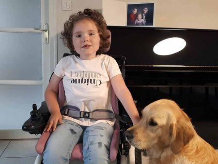 Les progrès d'Eugénie, 6 ans, atteinted'amyotrophie spinale