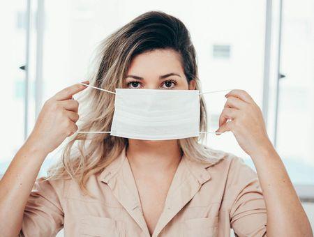 Acné, eczéma, irritations… Les effets du confinement sur la peau