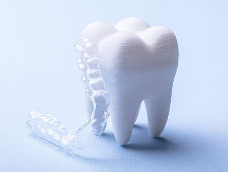 7 signes qui montrent que vous grincez des dents la nuit