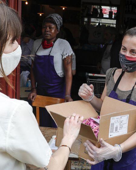 Avec la crise du coronavirus, la naissance d'un grand élan de solidarité en France