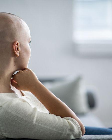 Covid-19 et cancer : les recommandations de l'Académie nationale de médecine pour une prise en charge adéquate des patients