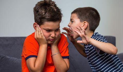 Maltraitances entre frères et soeurs : comment les détecter ?