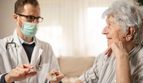 """Coronavirus et EHPAD : """"Les moyens de protection risquent de faire défaut"""""""