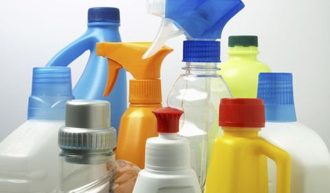 Bisphénols, phtalates, parabènes... L'organisme des français est pollué