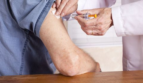Coronavirus: une filiale de BAT développe un vaccin grâce aux feuilles de tabac