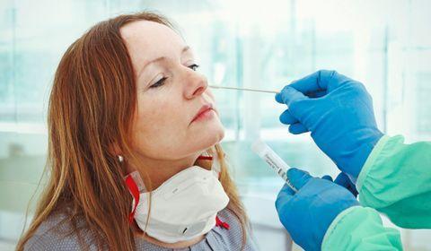 Coronavirus : la France va-t-elle se convertir aux tests massifs ?