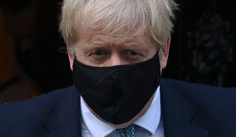 Covid-19 : le variant britannique peut être plus mortel, prévient Boris Johnson