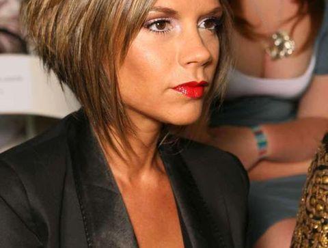Le carré plongeant de Victoria Beckham -15 coiffures iconiques de stars