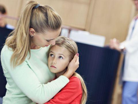Enfant : comment le préparer à l'hospitalisation d'un proche ?