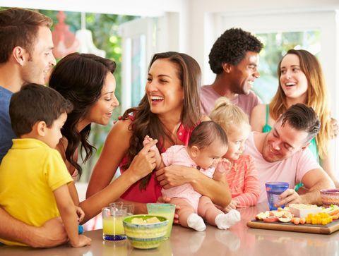 Pourquoi se juge-t-on toujours entre parents ?