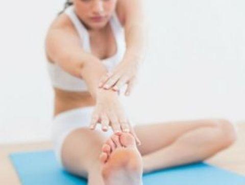 La posture de la demi-pince - Yoga débutant : les postures les plus faciles