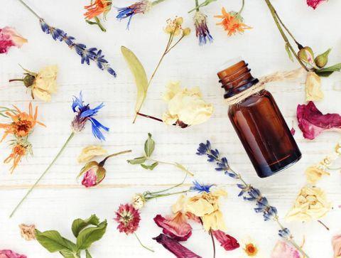 Quelles huiles essentielles pour soulager les maux de grossesse ?