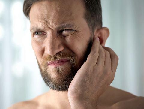 Bouchon d'oreille :symptômes, traitements et prévention
