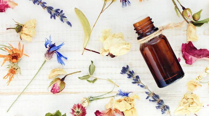 huiles-essentielles-et-maux-de-grossesse