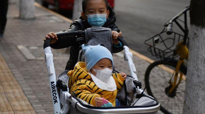 Coronavirus : les enfants sont-ils vraiment épargnés ?