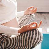 Sport durant la grossesse : le yoga prénatal