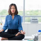 Anxiété : 10 minutes de méditation par jour chassent les pensées parasites