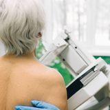 Le dépistage du cancer du seindevrait se poursuivre après 75 ans