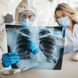 Covid-19 : la pneumonie et l'insuffisance respiratoire parmi les complications les plus fréquentes