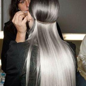 Coiffure longs cheveux gris