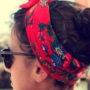 La coiffure avec un foulard