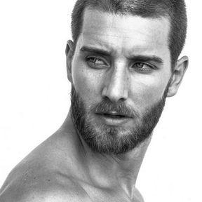 Cheveux rasés homme