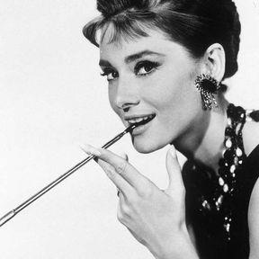 Le chignon banane d'Audrey Hepburn