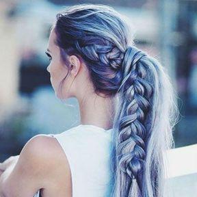 Queue de cheval sur cheveux colorés