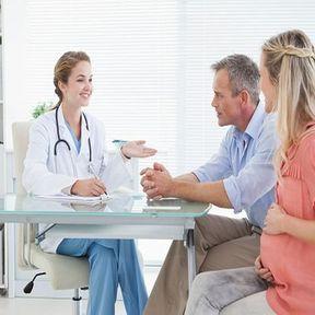Quels sont les obligations d'information de la patiente ?