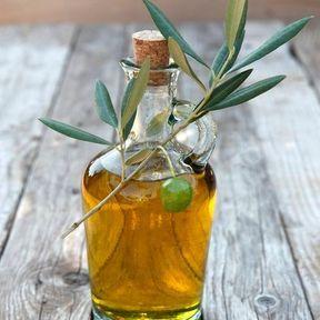 L'huile d'olive est la moins grasse de toutes les huiles