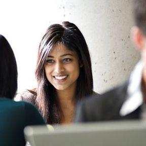 L'optimisme aide à trouver du travail