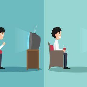 La bonne posture pour s'asseoir sur un canapé