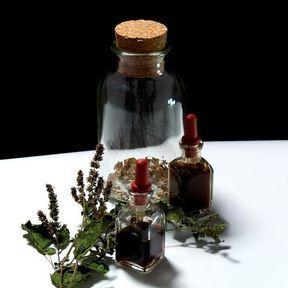Quelques gouttes d'huile essentielle de patchouli