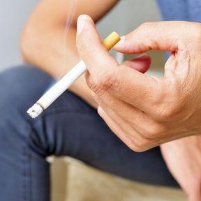 La cigarette réduit la taille du pénis