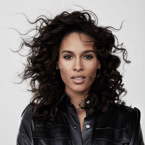 Cindy Bruna, nouvelle ambassadrice L'Oréal Paris