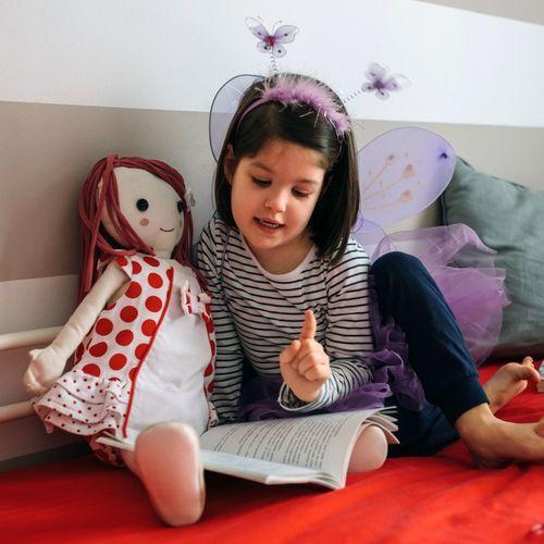Jouer à la poupée développerait l'empathie chez l'enfant