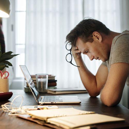 """40% des Français déclarent subir un """"fort stress"""" au travail"""